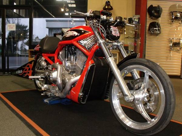 Harley Davidson V-Rod - 1