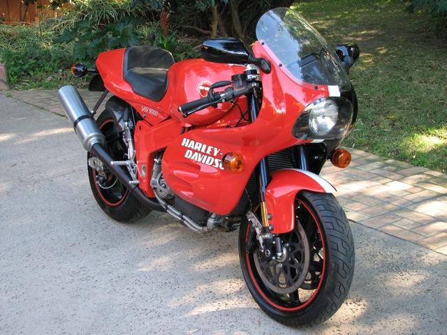 Harley-Davidson VR1000 - Front