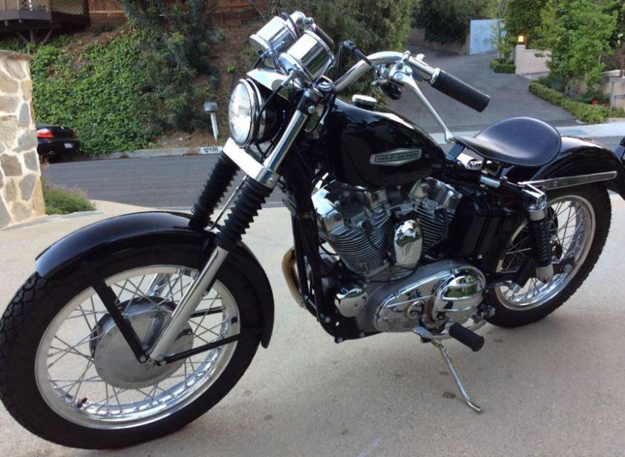 Harley-Davidson XLCH - Front Left