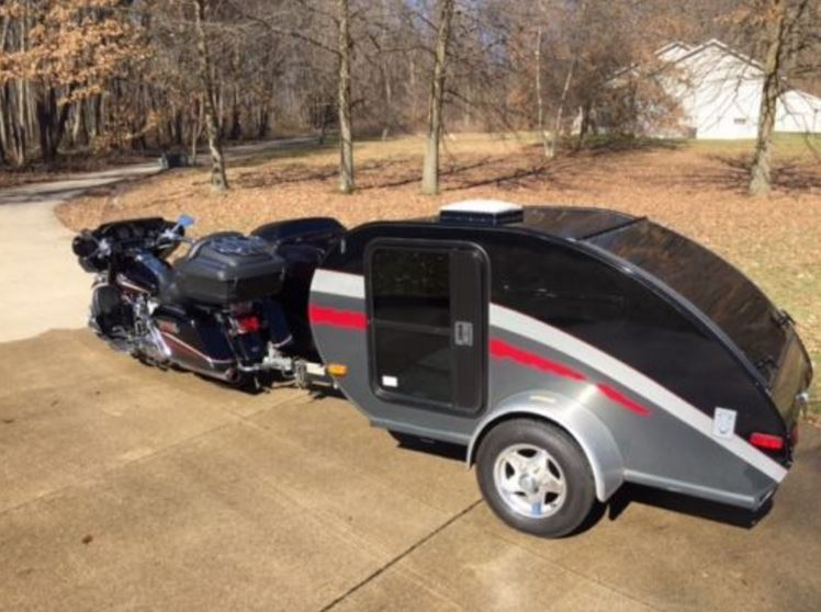 Bring The Family – 2006 Harley with Sidecar and Trailer