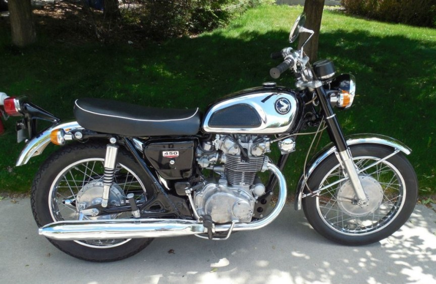 Honda CB450 K1 - Right Side