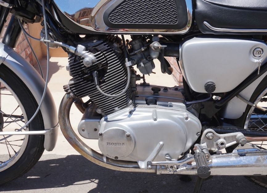 Honda CB77 Superhawk - Engine