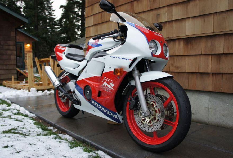 19k redline 1990 honda cbr250rr mc22 bike urious for Honda cbr250rr usa