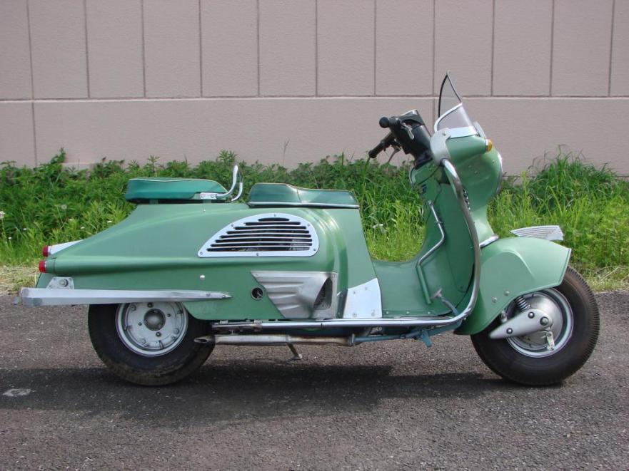 Honda Juno - Right Side