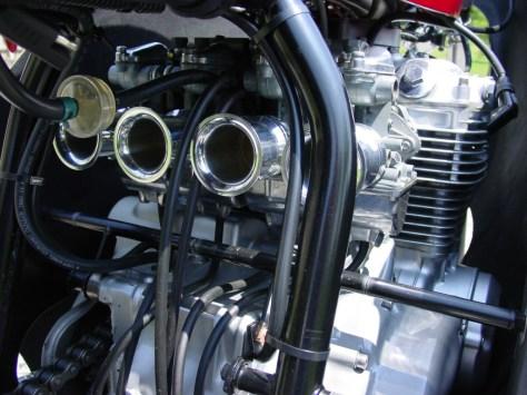 Honda RC166 Replica - Engine