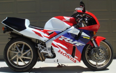 Honda RVF400 NC35 - Right Side