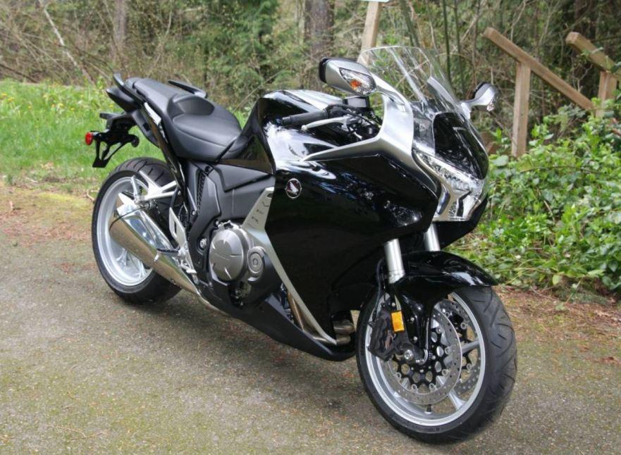 2.4 Miles – 2013 Honda VFR1200F | Bike-urious