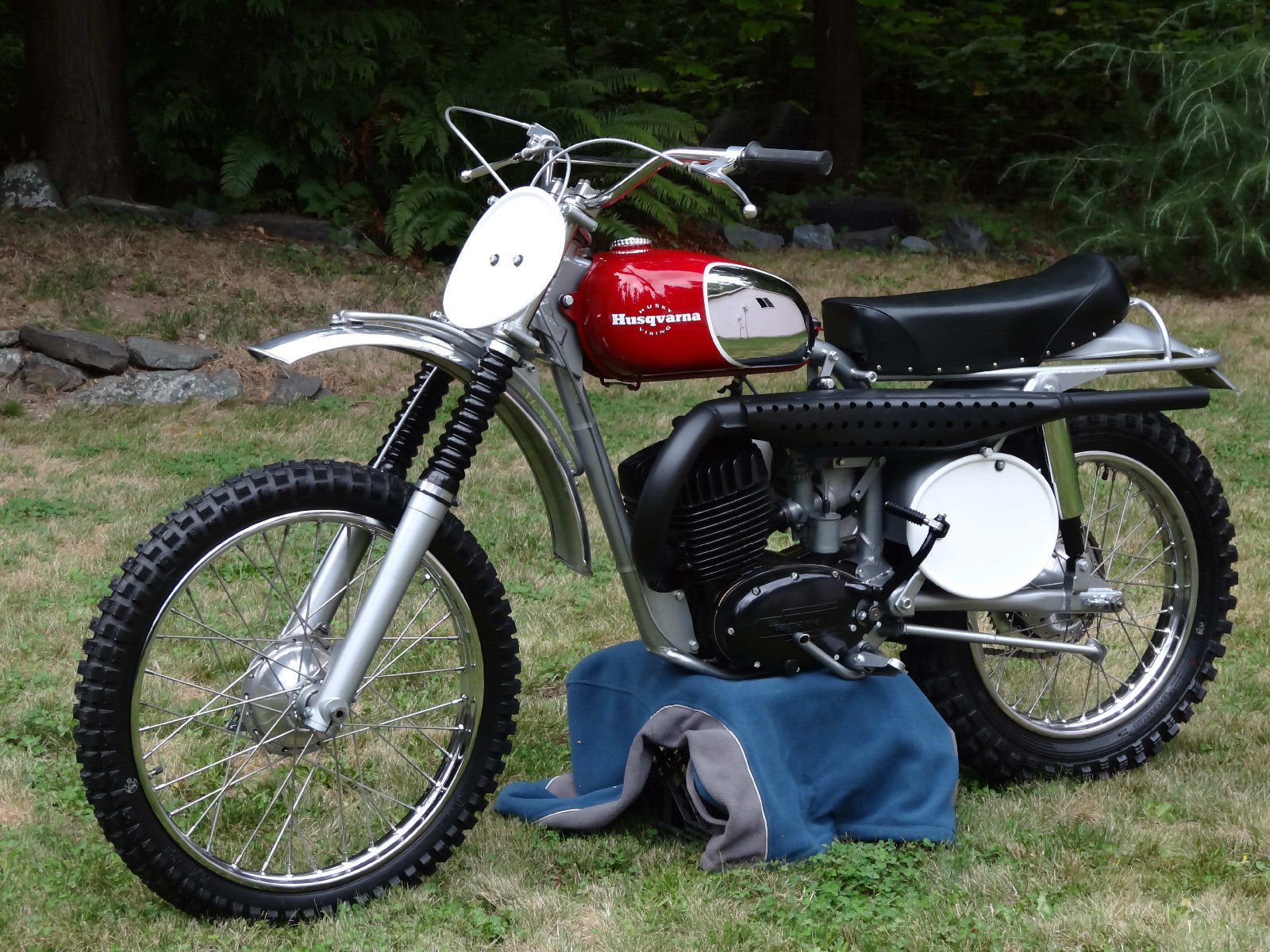 Husqvarna 360 Viking - Left Side