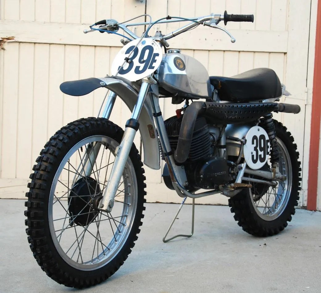 Husqvarna 400 Cross - Front Left