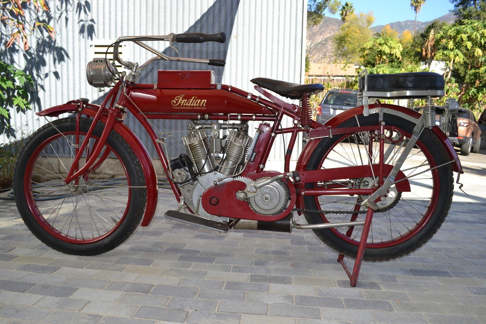 1915 Indian Big Twin  Bike-Urious-5827