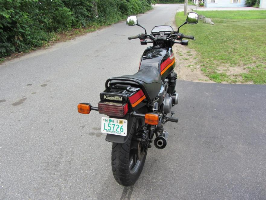 Kawasaki KZ700 - Rear