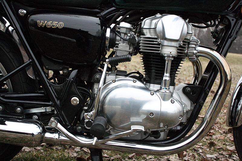Kawasaki W650 - Engine with Kick Starter
