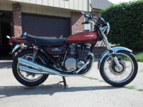 Kawasaki Z1 900 - Right Side