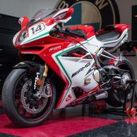 6 Miles - 2015 MV Agusta F4 RC
