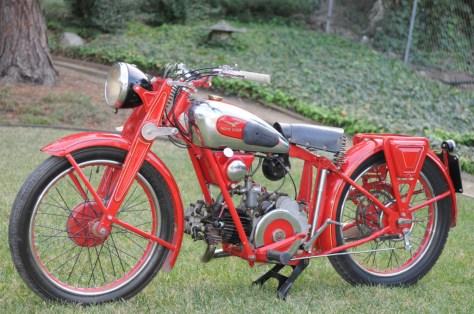 Moto Guzzi Egretta - Left Side