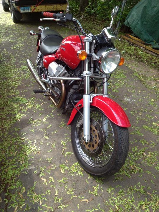 Moto Guzzi Jackal - Front