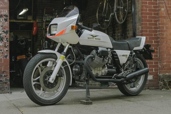 Moto Guzzi Le Mans III - Left Side