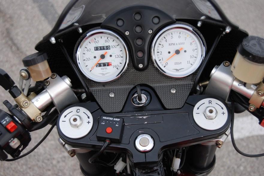 Moto Guzzi V11 Sport Rosso Mandello - Cockpit