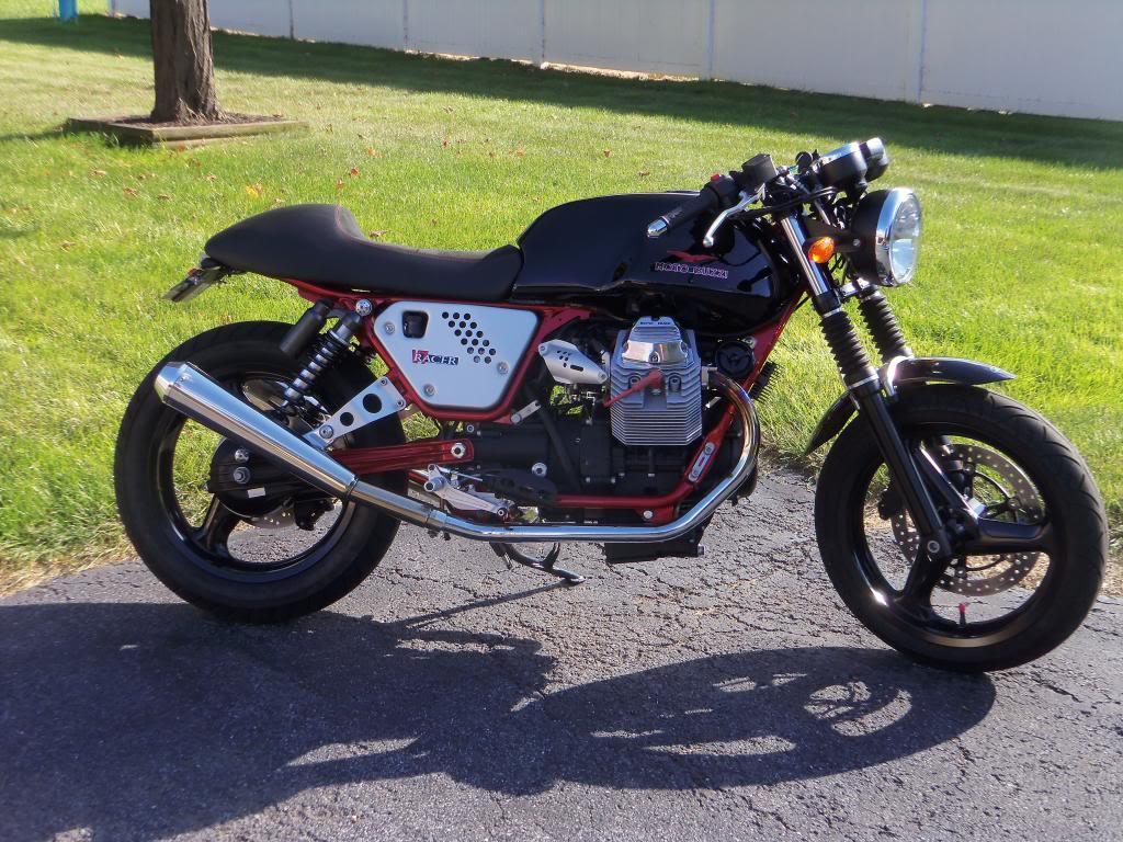 2012 moto guzzi v7 racer bike urious. Black Bedroom Furniture Sets. Home Design Ideas