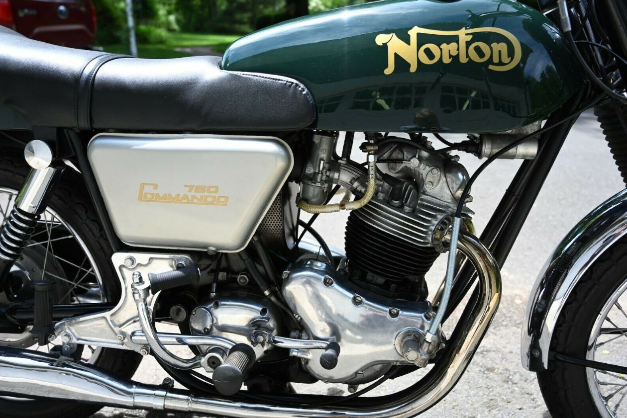 1969 Norton Commando Fastback