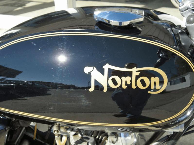 Norton Commando Interstate - 2