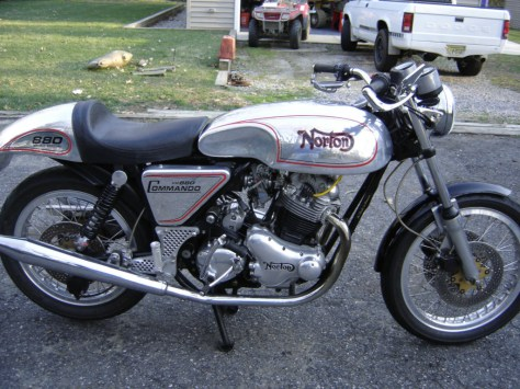 Norton VR880 - Right Side