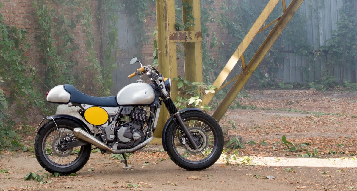 Cafe or Scrambler? 2002 Suzuki Freewind Custom