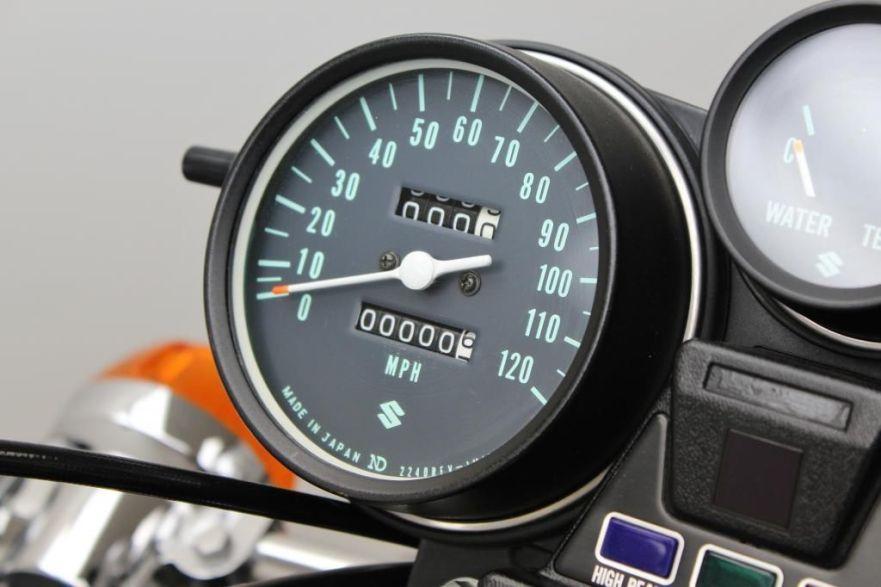 Suzuki RE5 - Gauges