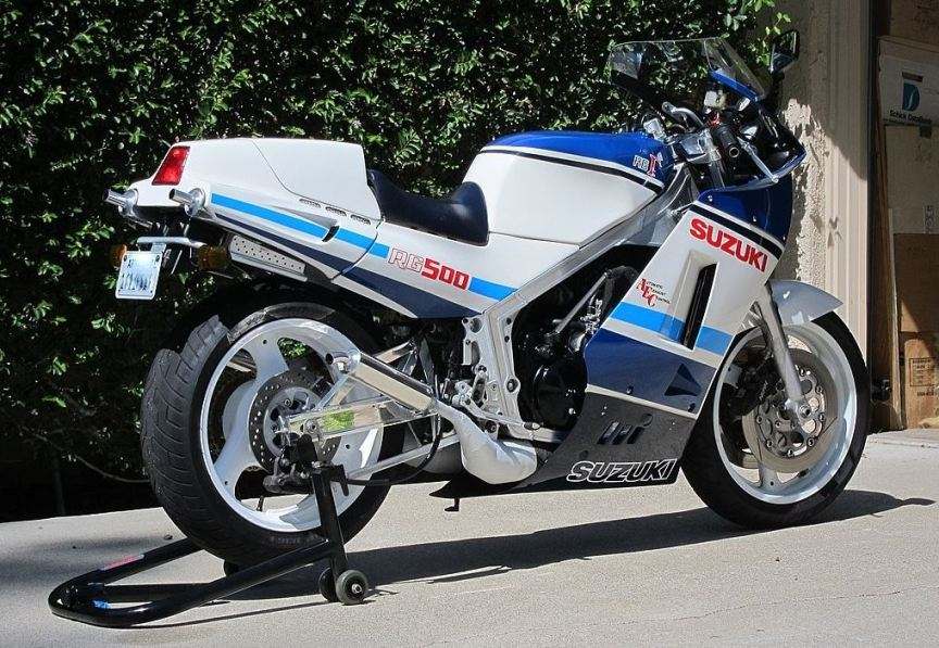 rare rg 1986 suzuki rg500 gamma bike urious. Black Bedroom Furniture Sets. Home Design Ideas