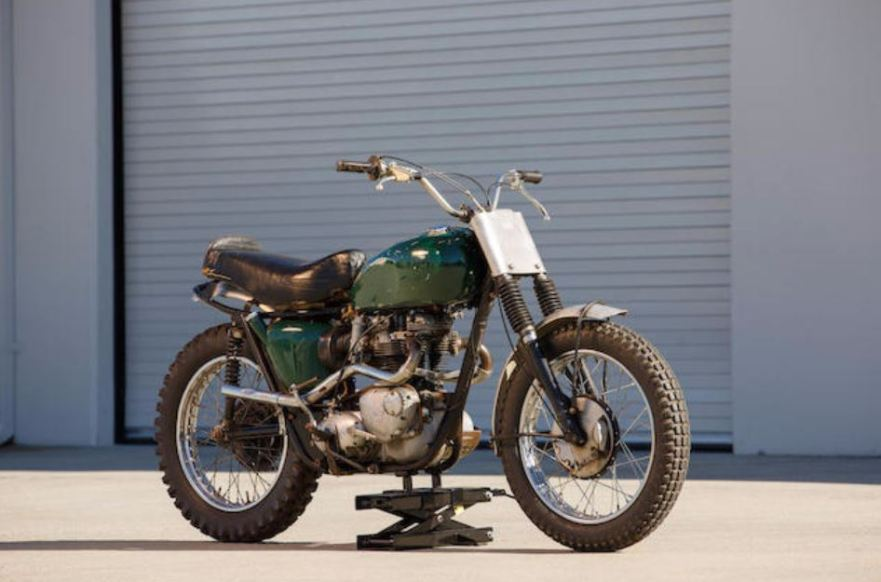 Triumph Bonneville Desert Sled - Front Right