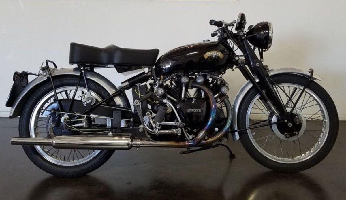 Lightning Motor - 1949 Vincent Rapide