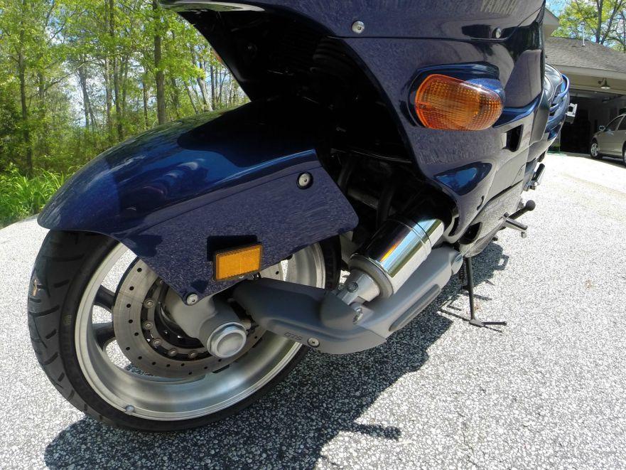 Yamaha GTS1000 - Front Wheel Left