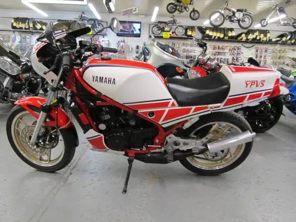 Yamaha RZ350 - Left Side
