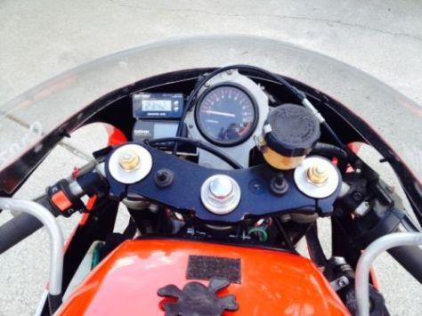 Yamaha RZ500 - Cockpit