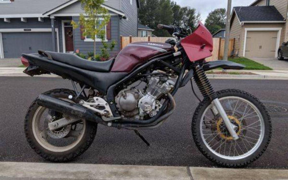 Unexpected Custom - Yamaha Seca 2 Dual-Sport