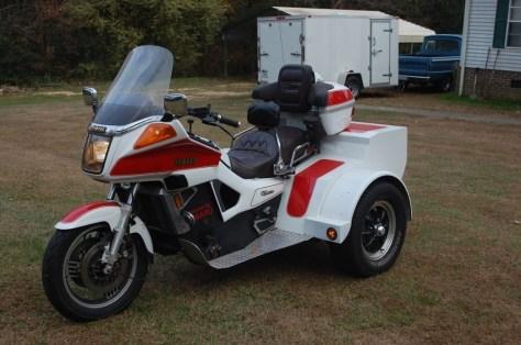 Yamaha Venture Trike - Left Side