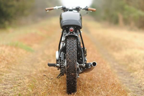 Yamaha XV920R - Rear