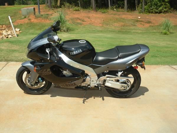 Yamaha YZF1000R - Left Side