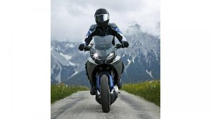 bmw-motorrad-concept-9cento-008jpg
