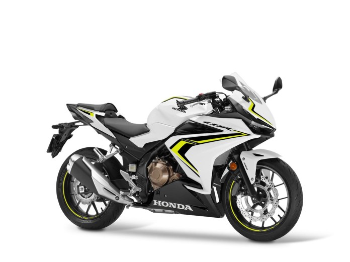 Honda's trio of A2 licence-friendly 500cc machines receive striking new colour schemes and EURO5 compliance