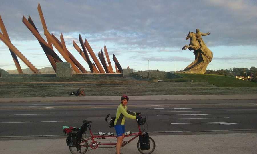 Tandem visits a large Cuban sculpture