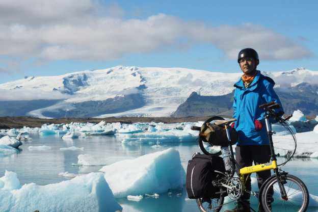 Finding Icelandic glaciers while riding a folding bike
