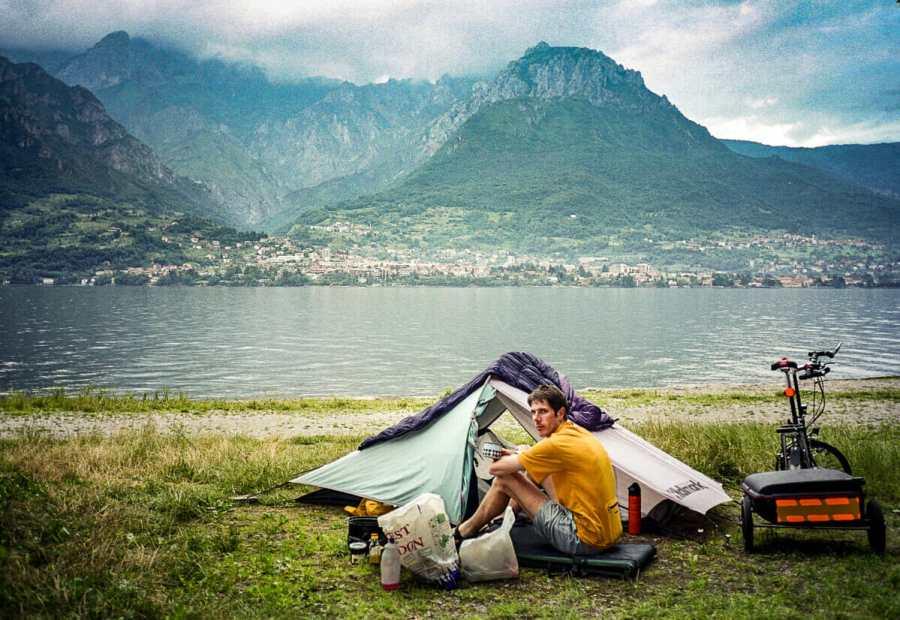 camping at lake Como