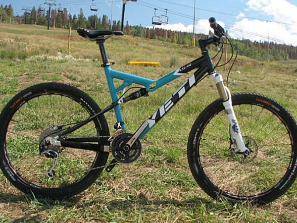 9-13-07 // Previewed: Yeti Cycle's New 2008 Bikes | BIKE