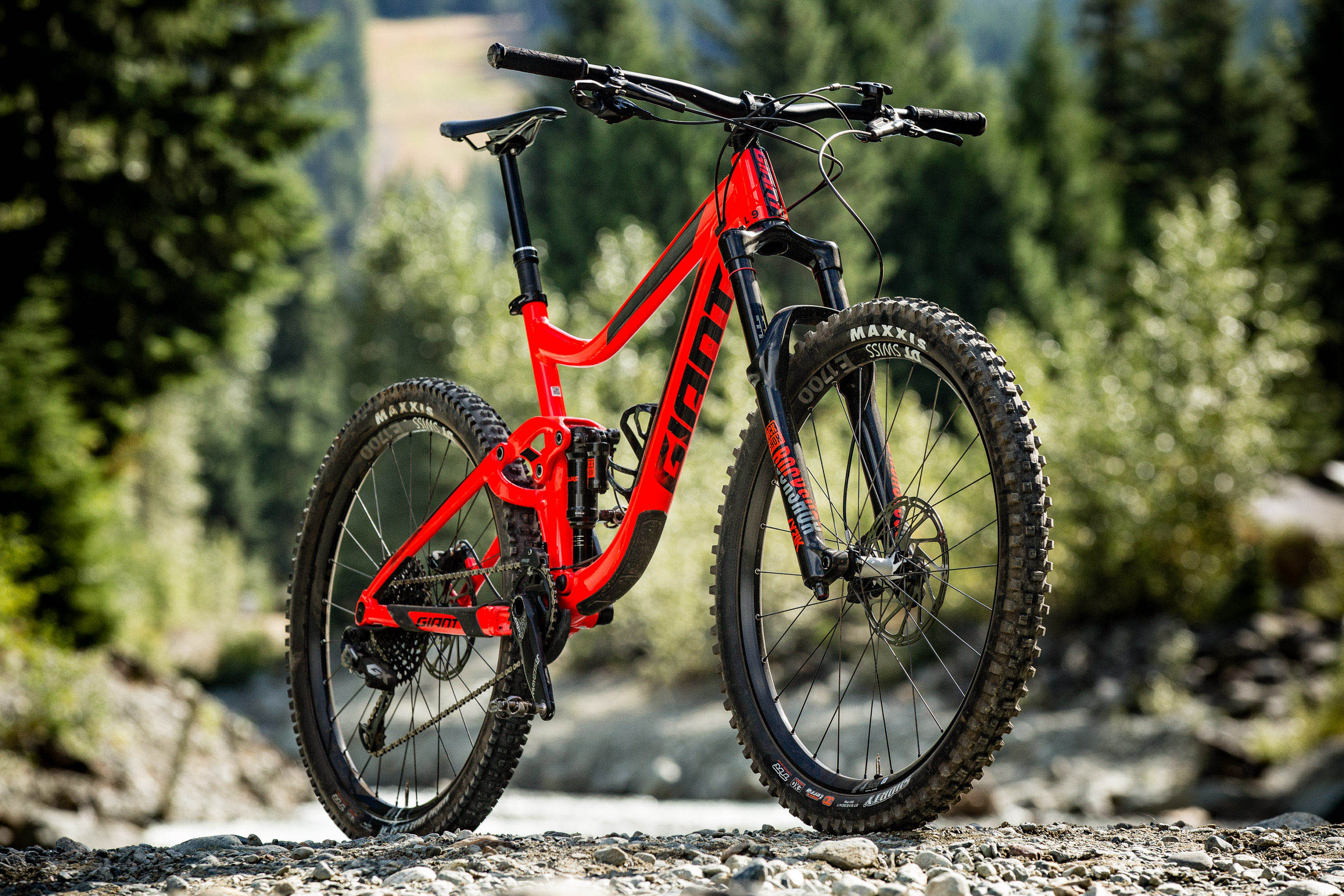 85586ed00d3 First Impressions: 2018 Giant Reign | BIKE Magazine
