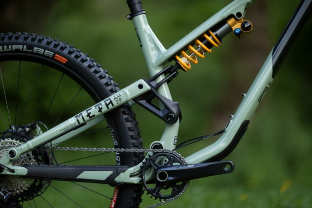 2021 Commencal Meta AM 29 ohlins rear triangle