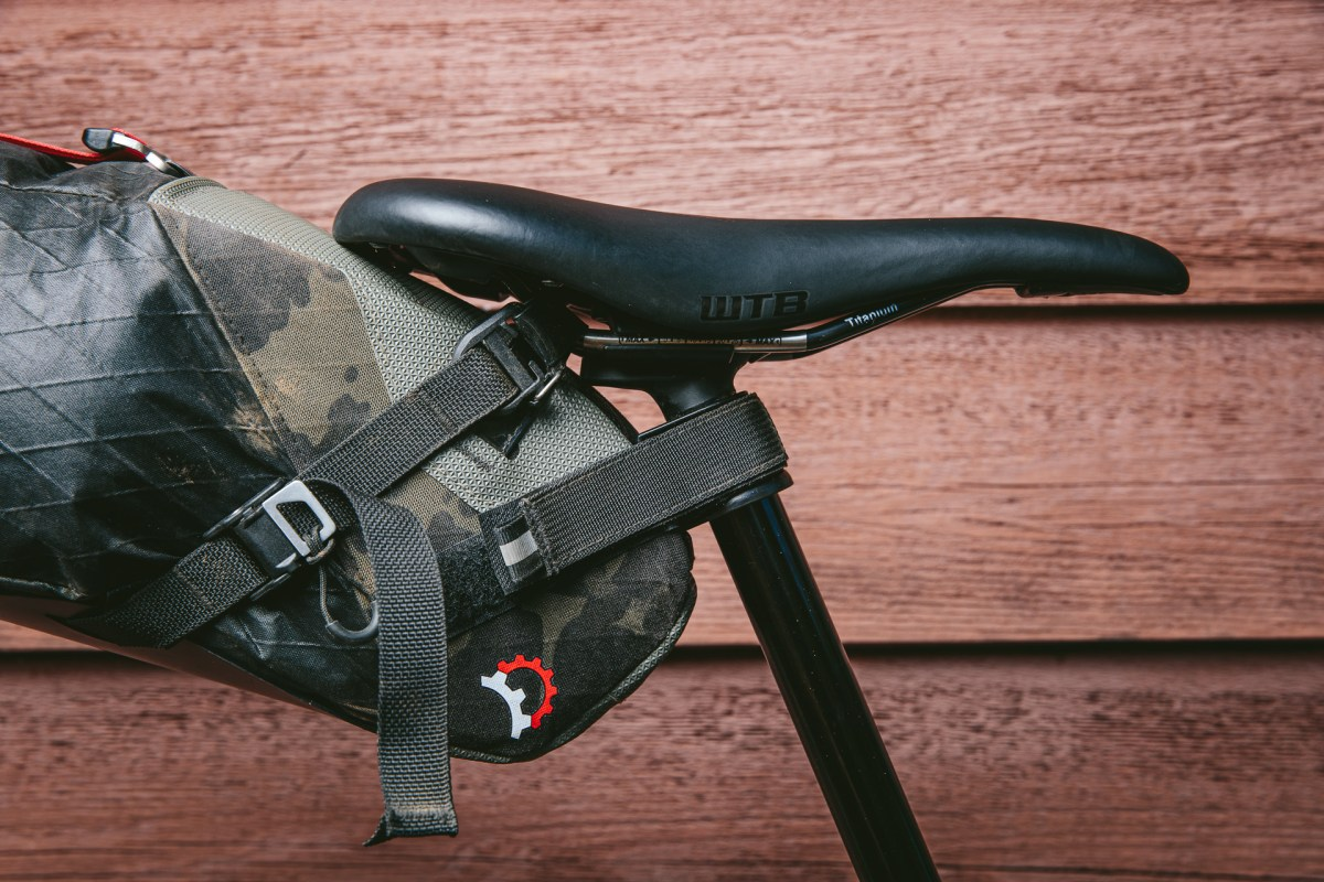 Buckles and straps Vole bag
