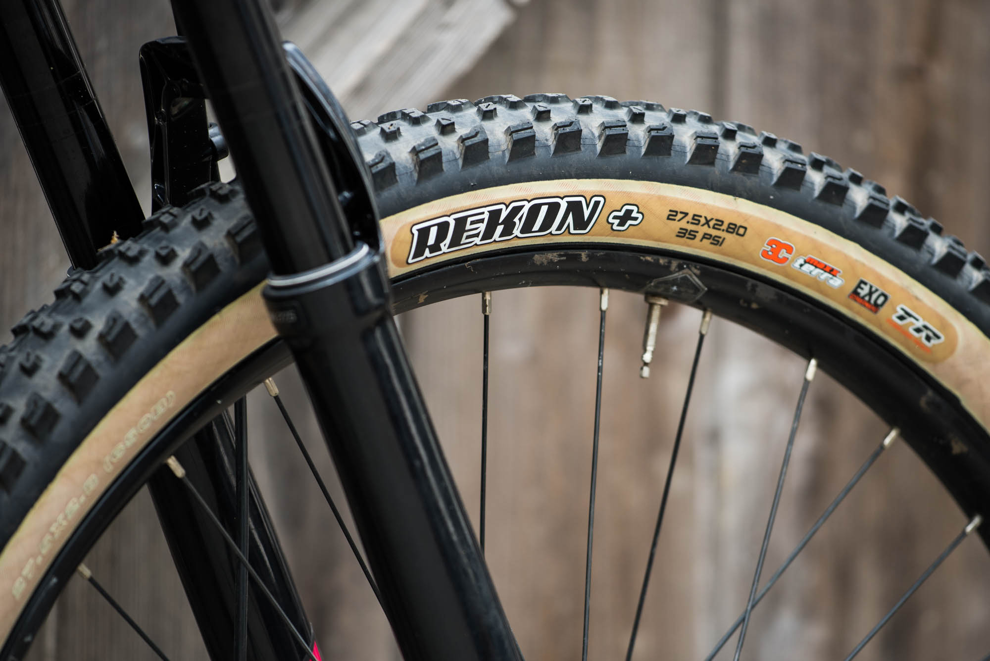 Maxxis Rekon 27 5 X 2 8 Skinwall Tire Review Outsiding
