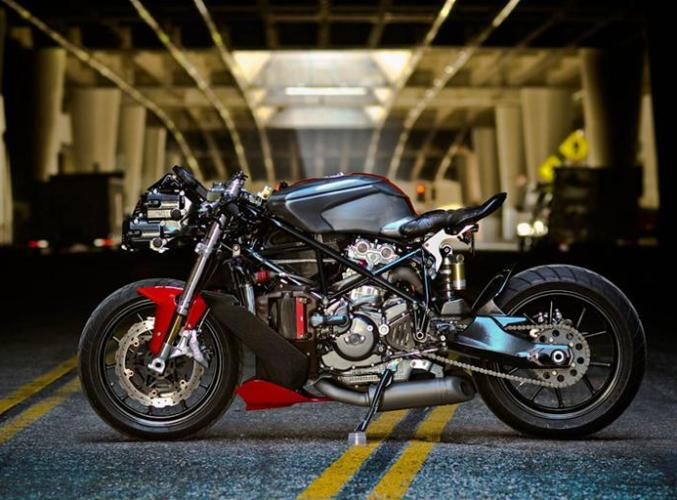 Ducati-749-by-Gustavo-Penna2