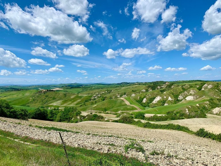 crete-senesi-gravel-tuscany-bike-tour
